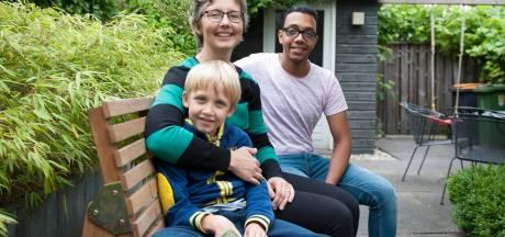 Linda uit Deventer nam vluchteling Alaa drie maanden in huis: 'Ik ben blij dat ik hem kon helpen'