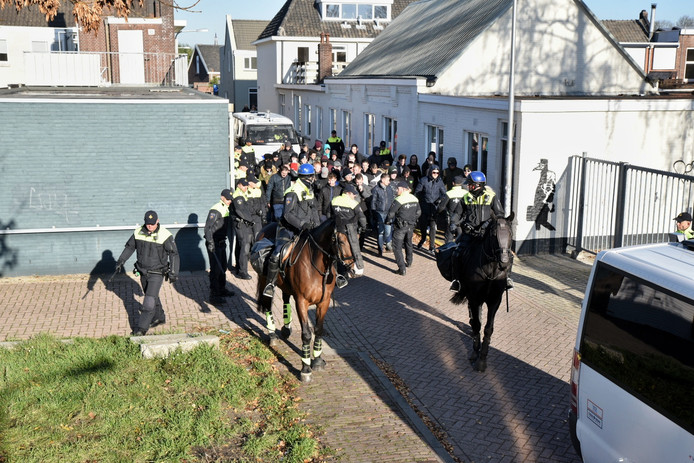 Demonstraties tijdens intocht Sinterklaas in Tilburg.