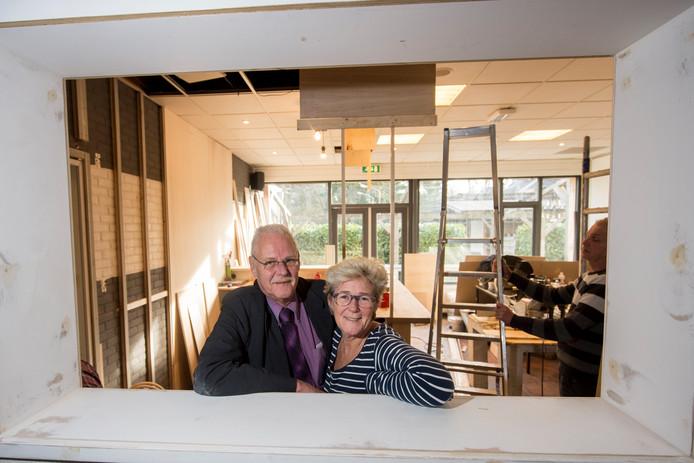 Toon Hartgers en Gon Bakker in de verbouwing van UB. Foto: Archief, ter illustratie