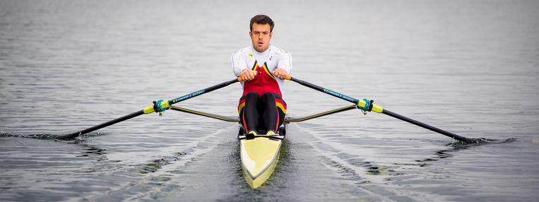 Pierre De Loof aan het trainen op de skiff.