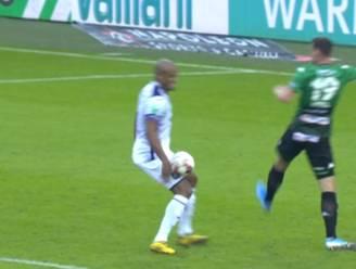 """Cercle Brugge krijgt geen penalty na hands van Kompany én Luckassen, onze huisref Tim Pots: """"VAR kwam twee keer terecht niet tussen"""""""
