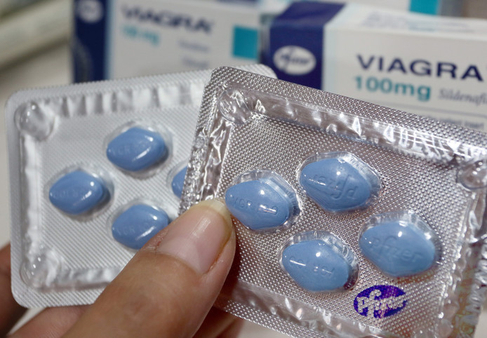 Originele (rechts) and valse viagra pills