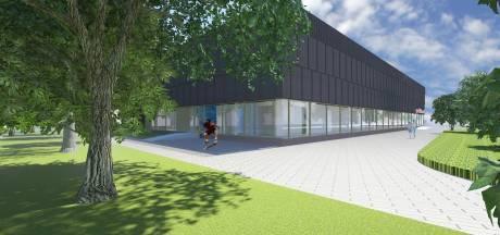 Ingeblazen stro maakt vernieuwde Udenhoutse sporthal De Roomley uniek