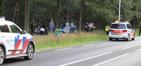 Ongeluk waardoor wielrenster moet vechten voor haar leven houdt Renswoude in zijn greep