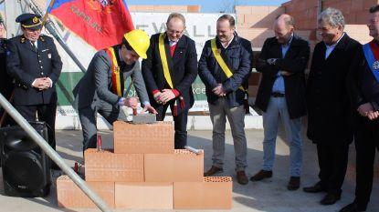 Na 20 jaar geduld: brandweerpost Kaprijke legt eerste steen voor nieuwe kazerne