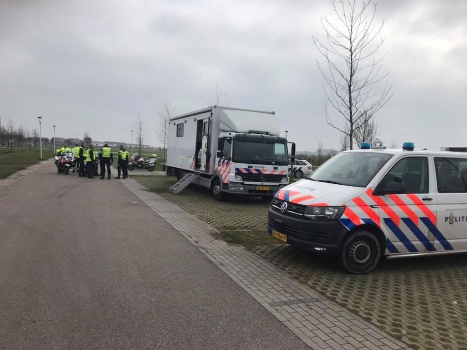 De politie voerde in Houten een controle uit samen met de Belastingdienst.