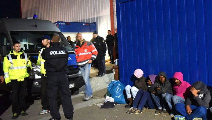 Op zondag kwam het in Calden, bij Kassel, ook tot gevechten tussen migranten.