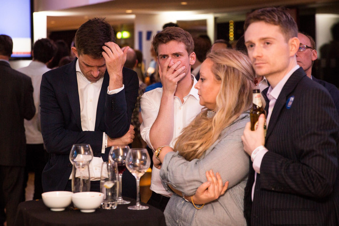 Les jeunes Britanniques se sont donc levés particulièrement frustrés et impuissants face à ce résultat auquel personne ne voulait croire.