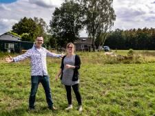 Boeren Sanne en Christian bouwen hun eigen boerderij Heerlijkheid tegen Deventer stadswijk aan