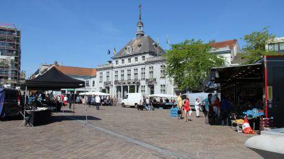 """""""Klanten hebben geen schrik om naar de markt te komen"""": Ronsenaars kunnen opnieuw terecht op wekelijkse markt"""