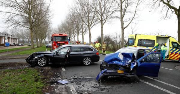 Twee gewonden na ernstig ongeluk in Elburg: N309 in beide richtingen dicht.