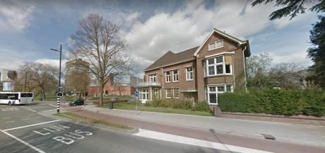 Familie en wethouder Eindhoven komen er niet uit, maar verkoop Van Abbehuis nog niet zeker