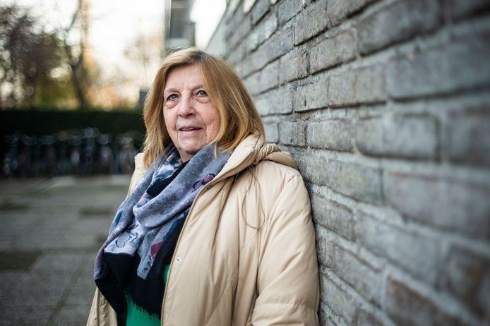 Tineke is 82 jaar maar werkt nog steeds als orderpicker bij Vawi in Antwerpen