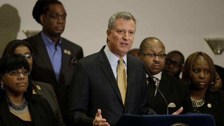 De burgemeester van New York, Bill de Blasio tijdens een persconferentie.