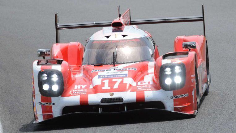 Timo Bernhard in zijn Porsche