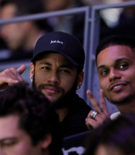 Neymar keert na een maand terug bij Paris Saint-Germain