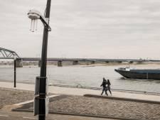 Negen sensoren meten vieze lucht van schepen langs Nijmeegse Waalkade