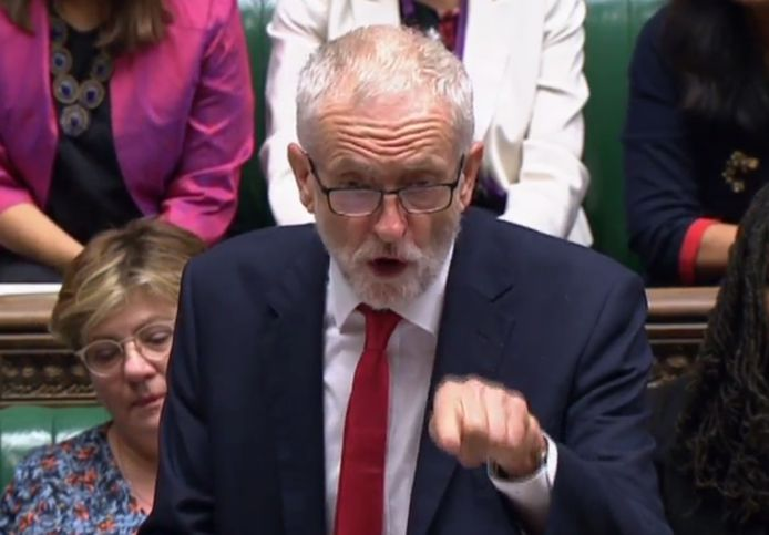 Labour-leider Jeremy Corbyn is Johnsons grootste plaaggeest.
