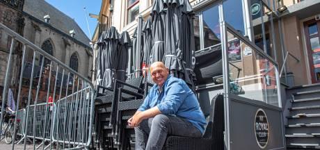 Grote terrassen vullen binnenstad Zwolle, maar nu komt het najaar: overkappingen en tenten lijken noodzakelijk