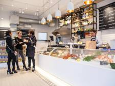 Vaste klant zamelt 15.000 euro in voor The Seafood Shop
