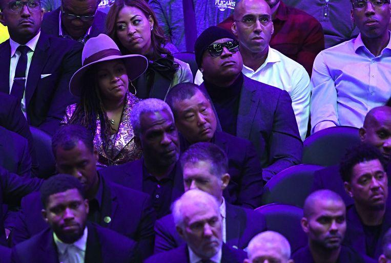 LL Cool J (met zonnebril) in het publiek