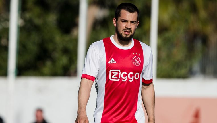 Younes onderhandelde met Napoli over een overgang, maar besloot bij Ajax te blijven. Beeld Pro Shots