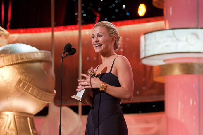 Paquin neemt de Golden Globe voor beste actrice in een tv-drama, voor haar rol in True Blood, in ontvangst, in 2009