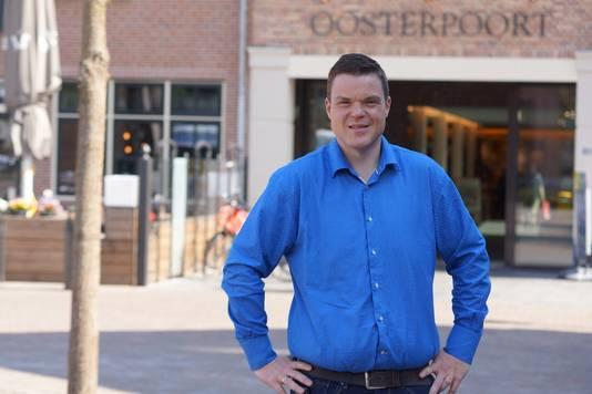 Supermarkteigenaar Rob Veltink uit Nijkerk is blij met aanhouding van de verdachte.