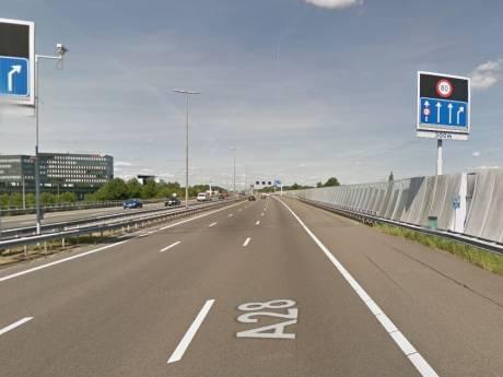 Bord langs snelweg A28 bij Zwolle geeft te hoge snelheid aan, reparatie duurt lang