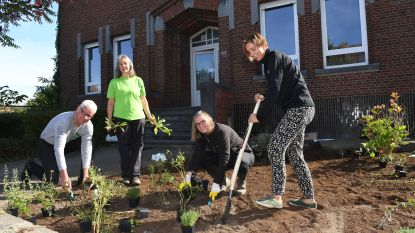 Tuinierende gouverneur vraagt aandacht voor vrijwilligerswerk