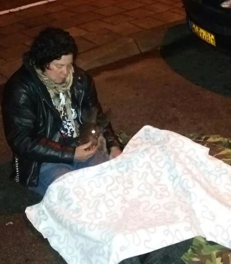 Karin uit Voorst waakt in vrieskou over gewond reebokje tot genadeschot klinkt