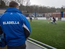Geroyeerde voetballertjes Bladella terug bij club