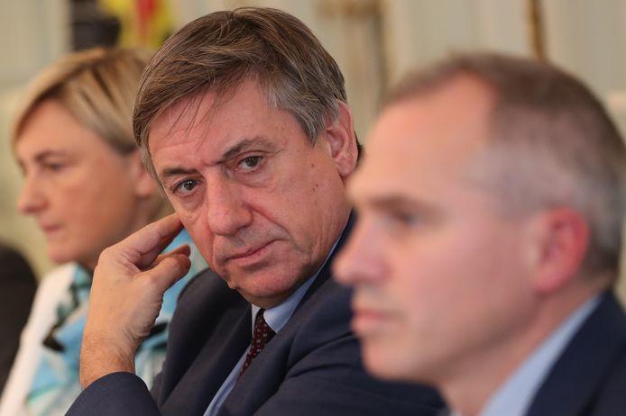 Jambon lichtte de begrotingscijfers vanmiddag toe, samen met onder andere Vlaams minister van Werk Hilde Crevits (CD&V) en minister van Financiën en Begroting Matthias Diependaele (N-VA).