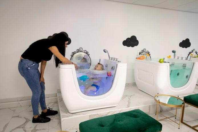 Merve Cadirkaya kwam op het idee een spa voor baby's te beginnen vanwege haar zoontje Ayaz.