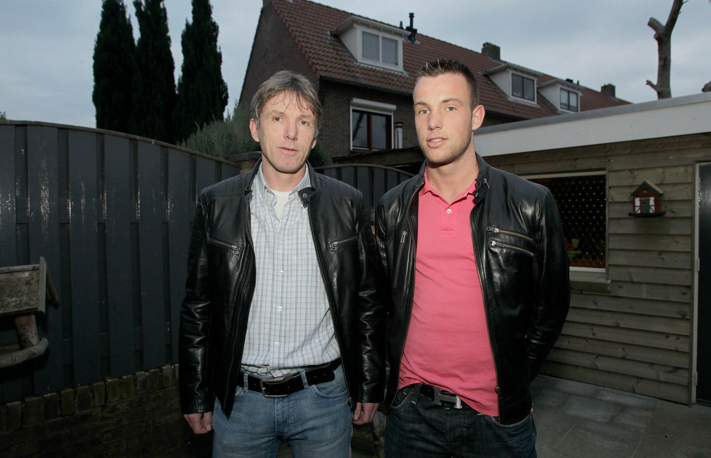 Vader Theo Hageman met Robbie Hageman (rechts) in 2014.