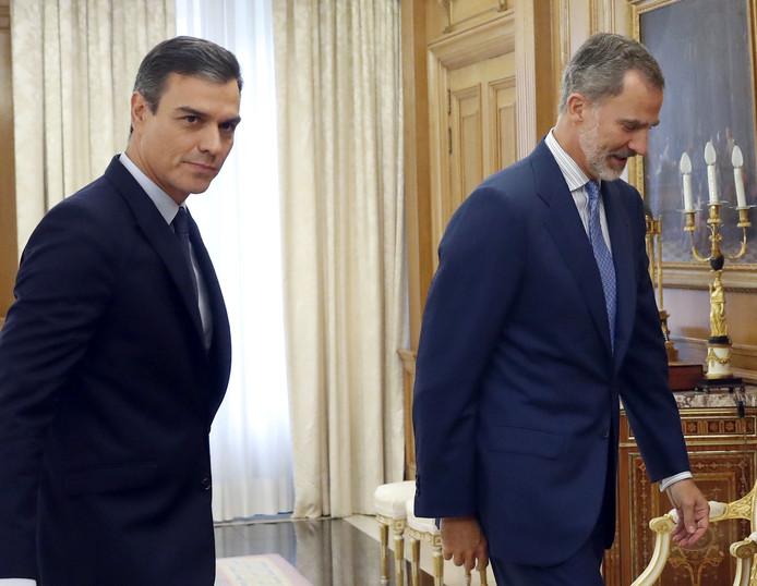 Le roi Felipe VI et le Premier ministre sortant Pedro Sanchez