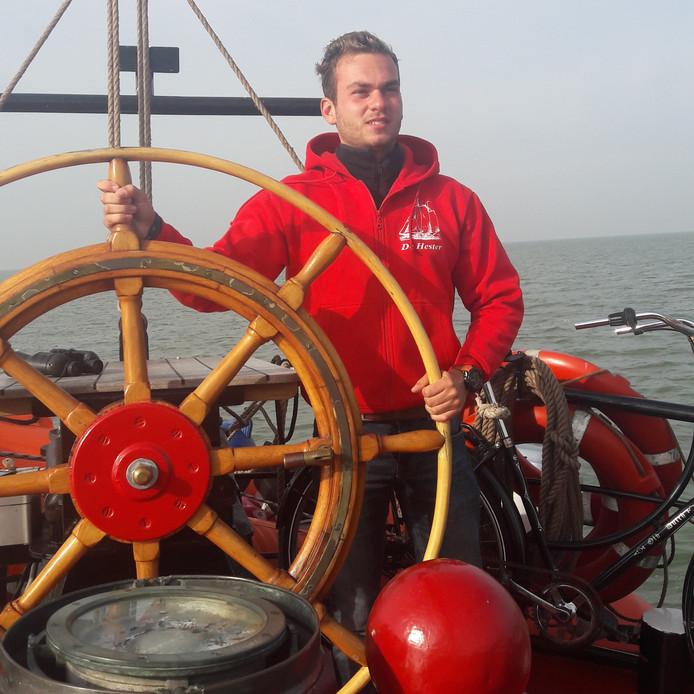 Luca Spano (20) uit IJsselmuiden heeft een eigen zeilschip gekocht: tweemaster Hester.