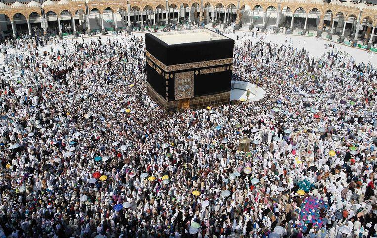 Tijdens de hadj-pelgrimage bezoeken moslims de Kaäba in Mekka. Beeld afp