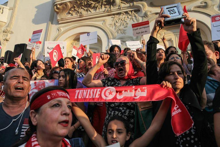 Demonstratie voor gelijke rechten in Tunesië (op nationale vrouwendag in augustus 2018). Beeld null