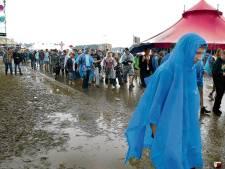 Weerplaza voorspelt regen en wind: duizenden bezoekers Lowlands willen van hun kaarten af
