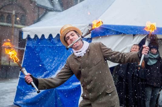 Circusartiest tijdens het festival in 2017.