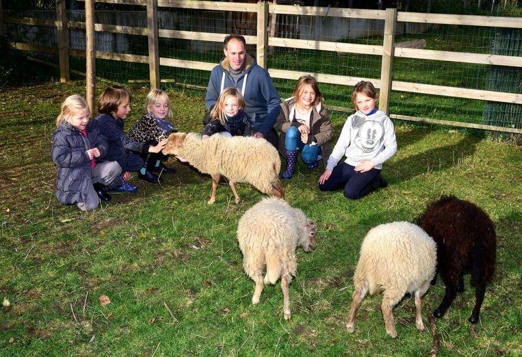 De kinderen waren verzot op de schaapjes
