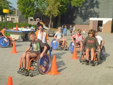 Met een rolstoel scheuren over het schoolplein: 'Zo leren ze dat álles mogelijk is'