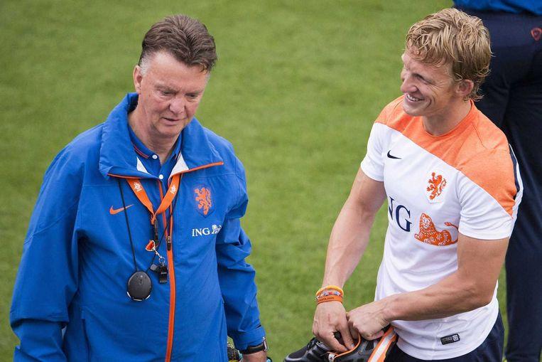 Bondscoach Louis van Gaal en Dirk Kuyt. Beeld anp