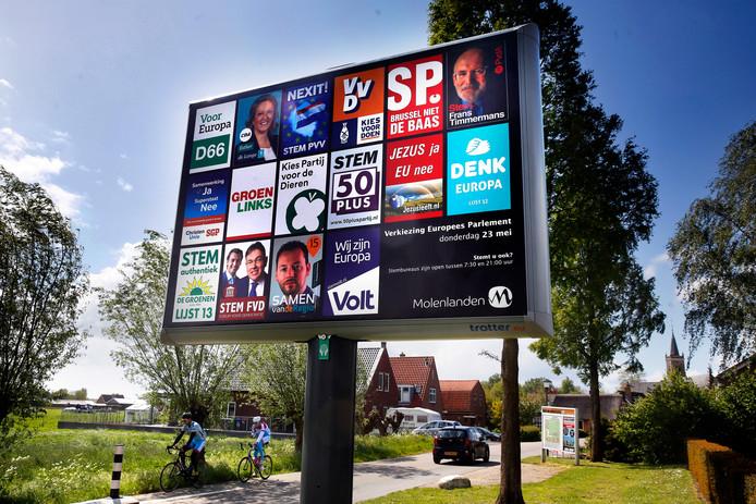 Er doen in Nederland zestien partijen mee aan de Europese verkiezingen.