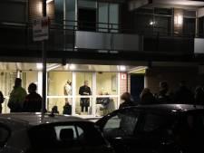 Flinke woningbrand flat Dunantstraat, meerdere personen naar het ziekenhuis