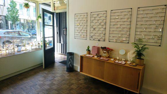 De binnenkant van juwelenwinkel VANEVA