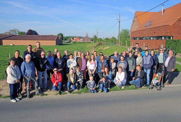 Zo'n 300 inwoners van Zwevegem-Knokke hebben een petitie ondertekend tegen de komst van een KMO-zone op de site van voormalige steenbakkerij Hanssens.
