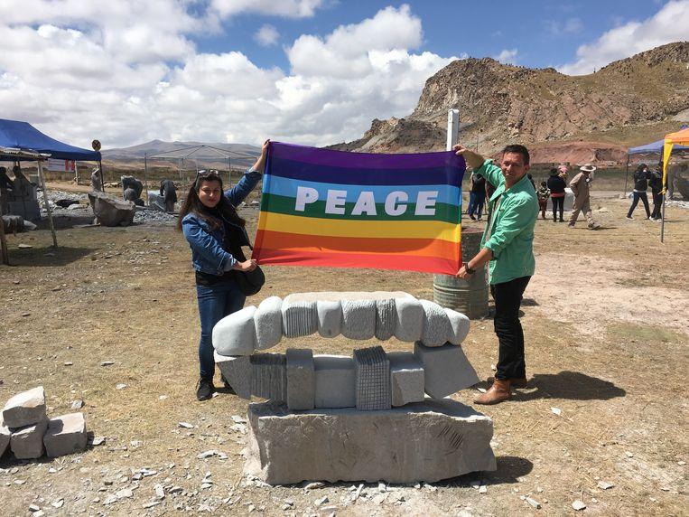 Jorg Van Daele onlangs in Bolivia bij een van zijn beeldhouwwerken.