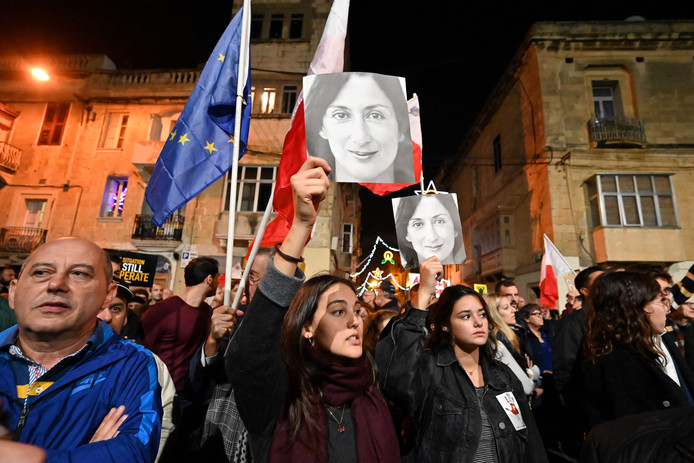 Protest in de straten van de Maltese hoofdstad Valletta tegen de manier waarop de politie de moord op journaliste Daphne Caruana Galizia onderzoekt.